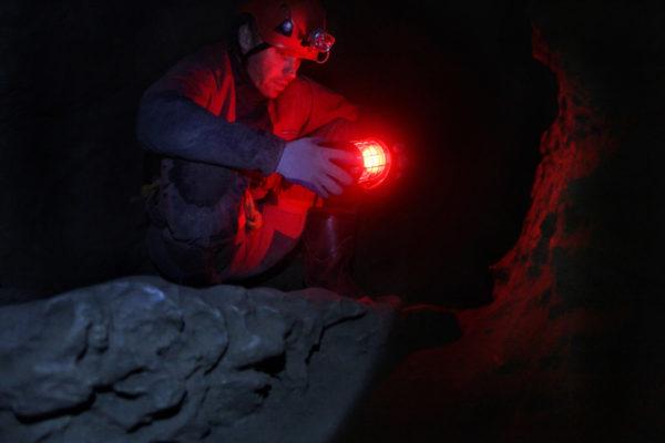 daxjustin-canmore-cave-adam05