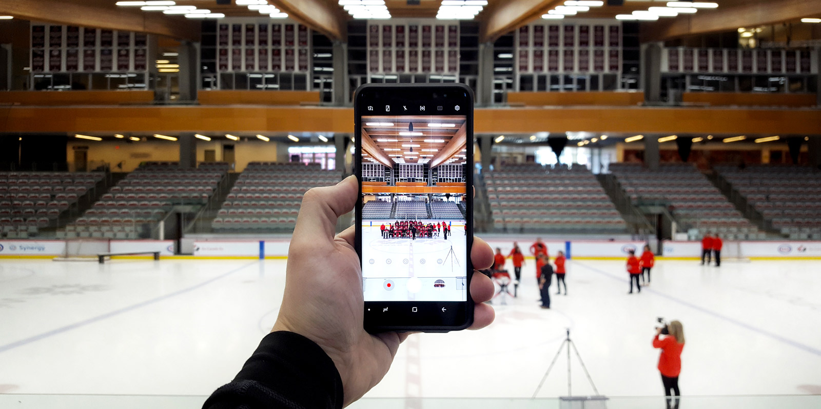 Photographing Team Canada on a Smartphone